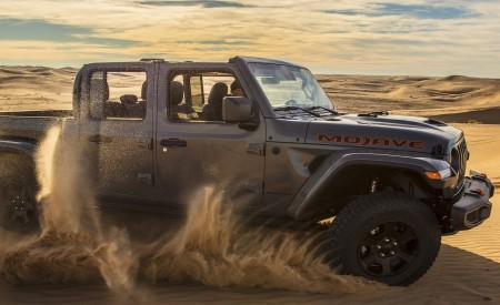 2020 Jeep Gladiator Mojave Off-Road Wallpapers 450x275 (16)