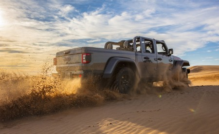 2020 Jeep Gladiator Mojave Off-Road Wallpapers 450x275 (18)