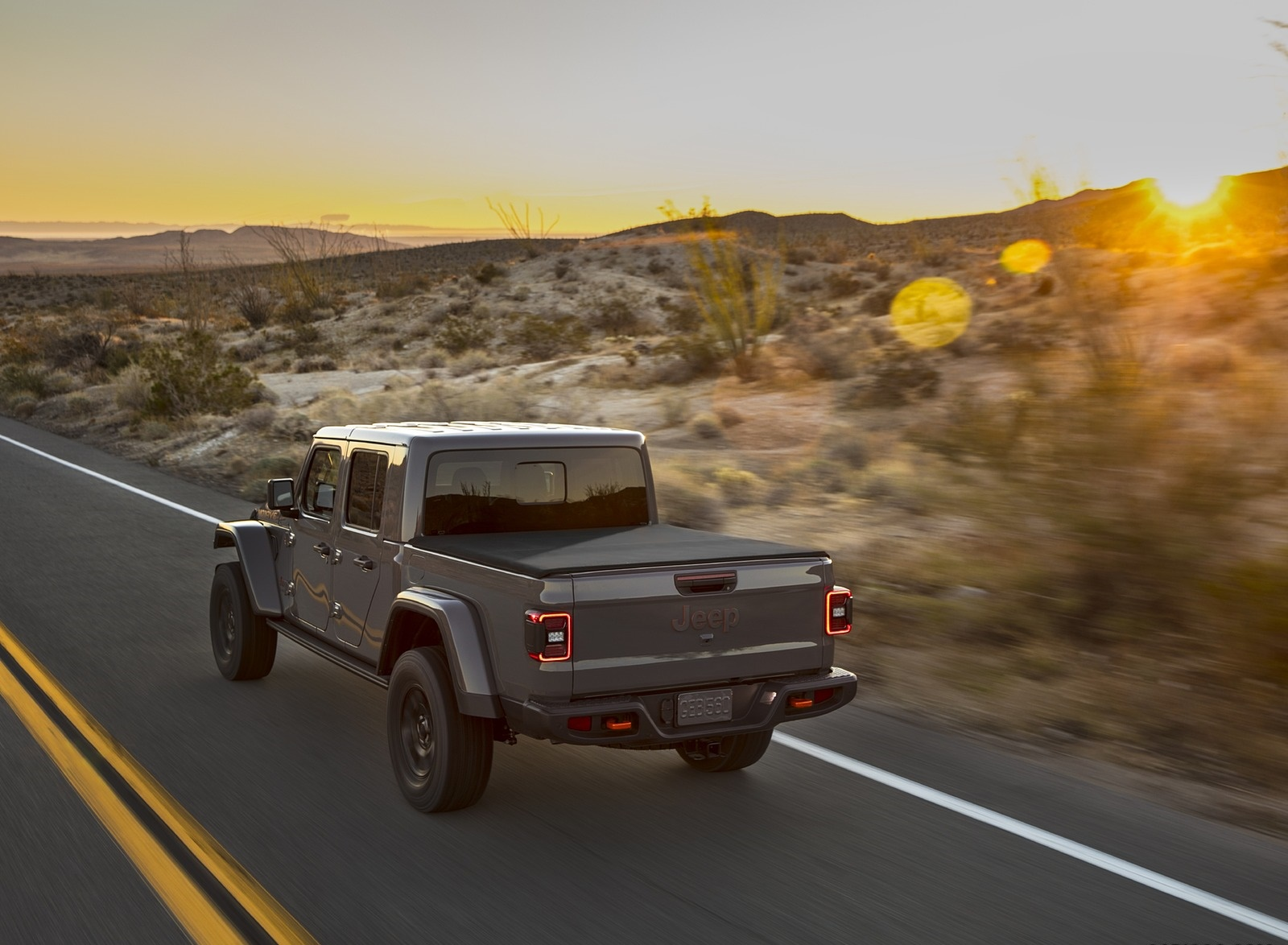 2020 Jeep Gladiator Mojave Rear Three-Quarter Wallpapers (5)