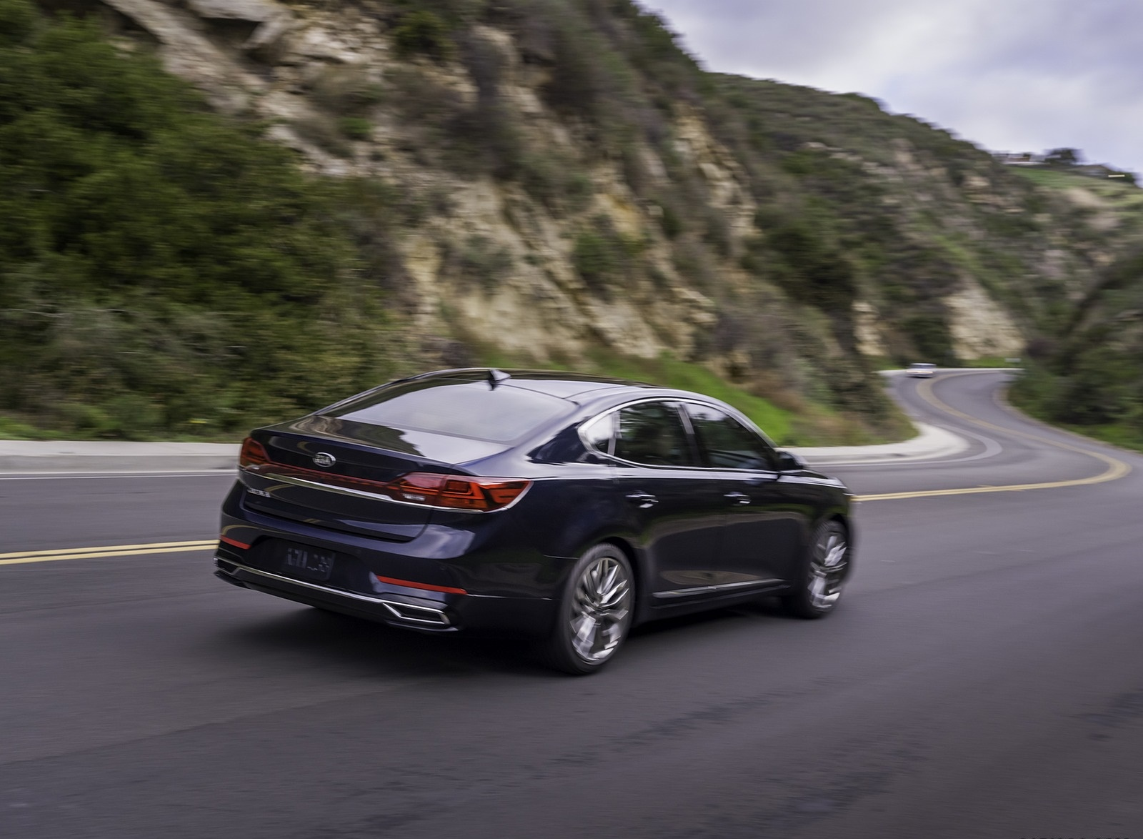 2020 Kia Cadenza Rear Three-Quarter Wallpapers (10)