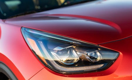 2020 Kia Niro Hybrid Headlight Wallpapers 450x275 (39)