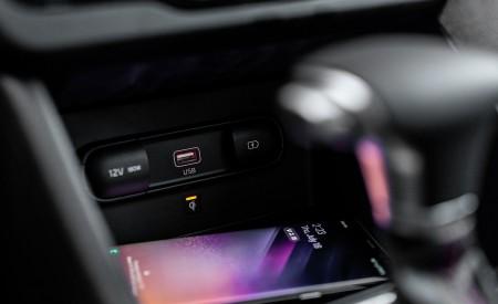 2020 Kia Niro Hybrid Interior Detail Wallpapers 450x275 (52)