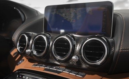 2020 Mercedes-AMG GT R Roadster (US-Spec) Central Console Wallpapers 450x275 (75)