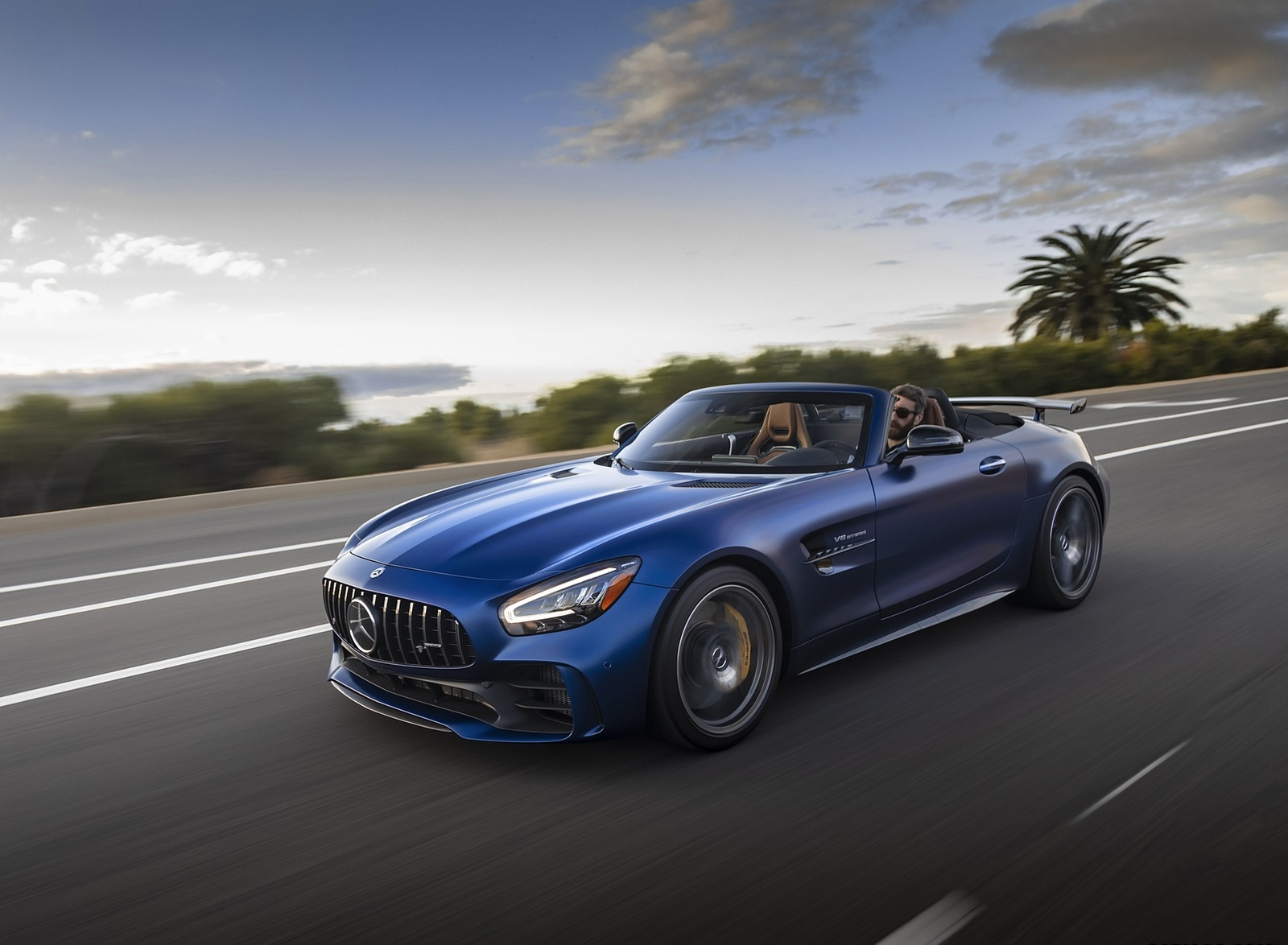 2020 Mercedes-AMG GT R Roadster (US-Spec) Front Three-Quarter Wallpapers (3)