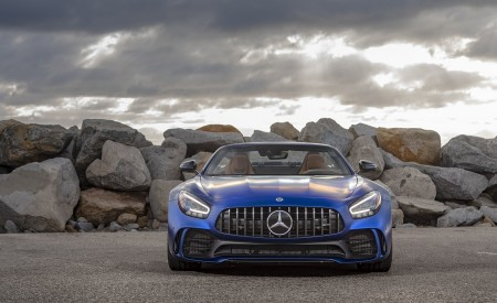 2020 Mercedes-AMG GT R Roadster (US-Spec) Front Three-Quarter Wallpapers 450x275 (36)