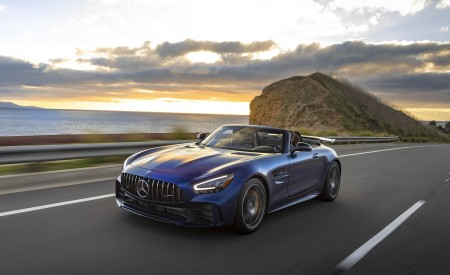 2020 Mercedes-AMG GT R Roadster (US-Spec) Front Three-Quarter Wallpapers 450x275 (6)