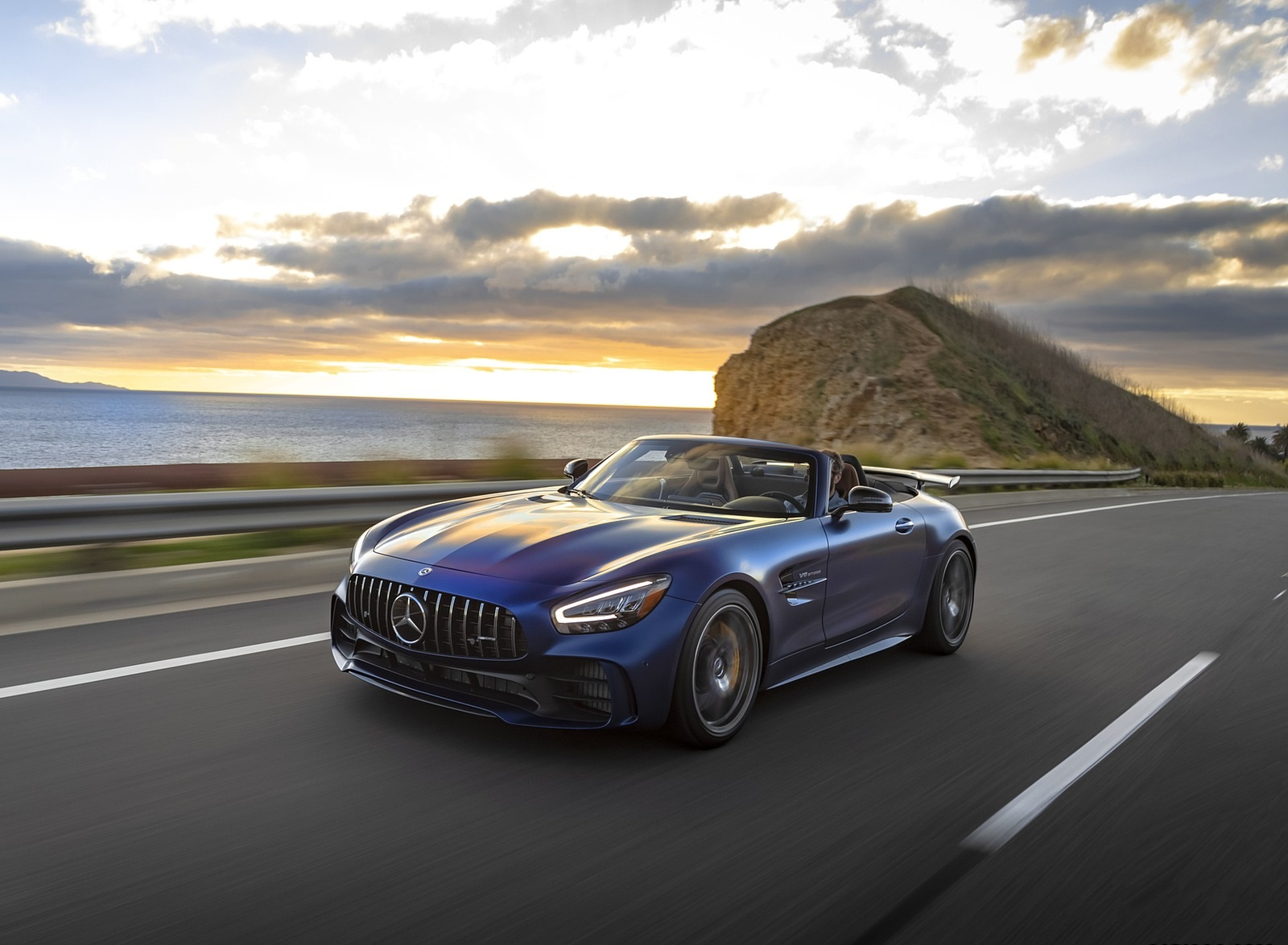 2020 Mercedes-AMG GT R Roadster (US-Spec) Front Three-Quarter Wallpapers (6)