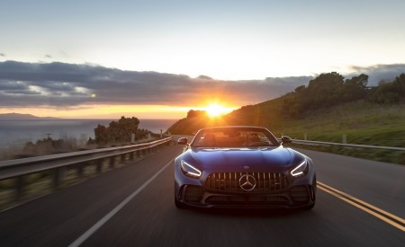 2020 Mercedes-AMG GT R Roadster (US-Spec) Front Wallpapers 450x275 (16)