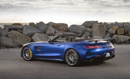 2020 Mercedes-AMG GT R Roadster (US-Spec) Rear Three-Quarter Wallpapers 450x275 (38)