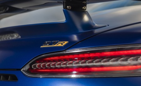 2020 Mercedes-AMG GT R Roadster (US-Spec) Tail Light Wallpapers 450x275 (56)