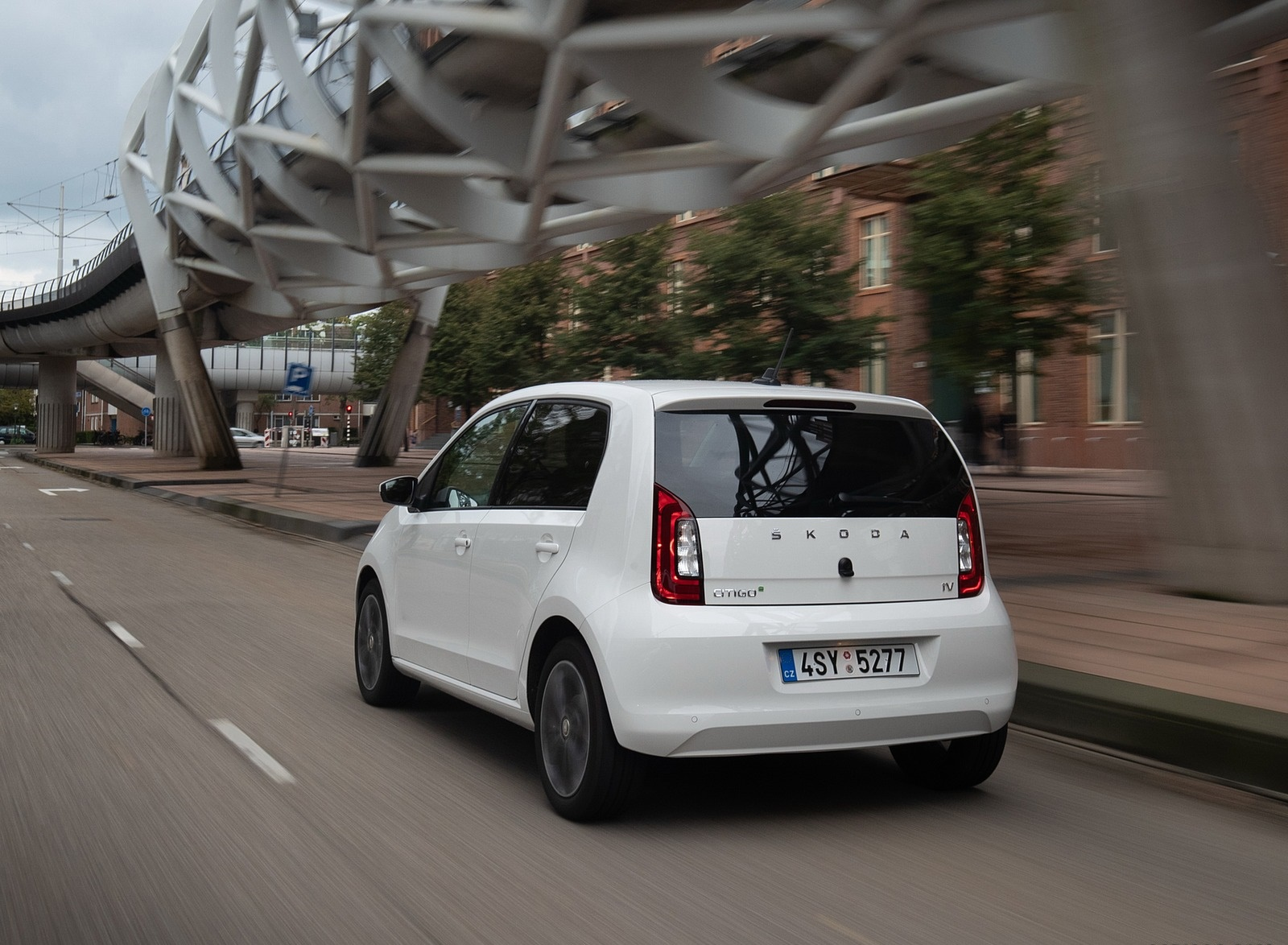 2020 Skoda Citigo iV Plug-In Hybrid Rear Three-Quarter Wallpapers (6)