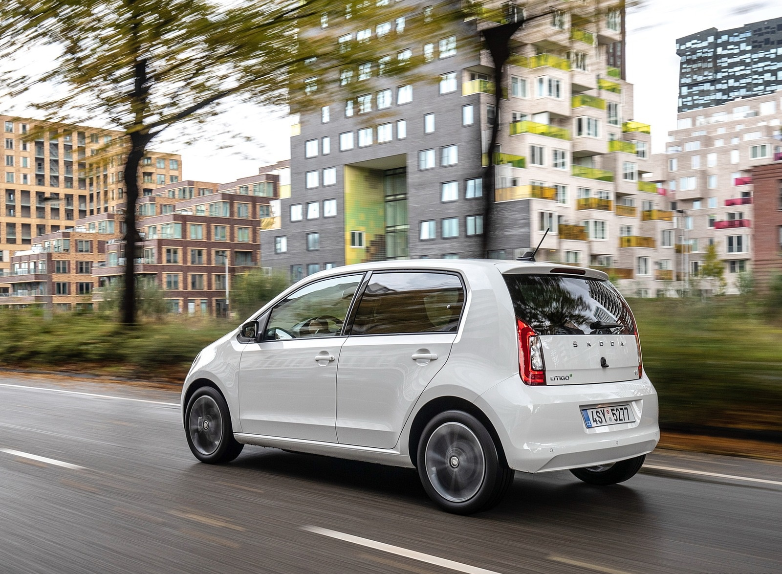 2020 Skoda Citigo iV Plug-In Hybrid Rear Three-Quarter Wallpapers (7)