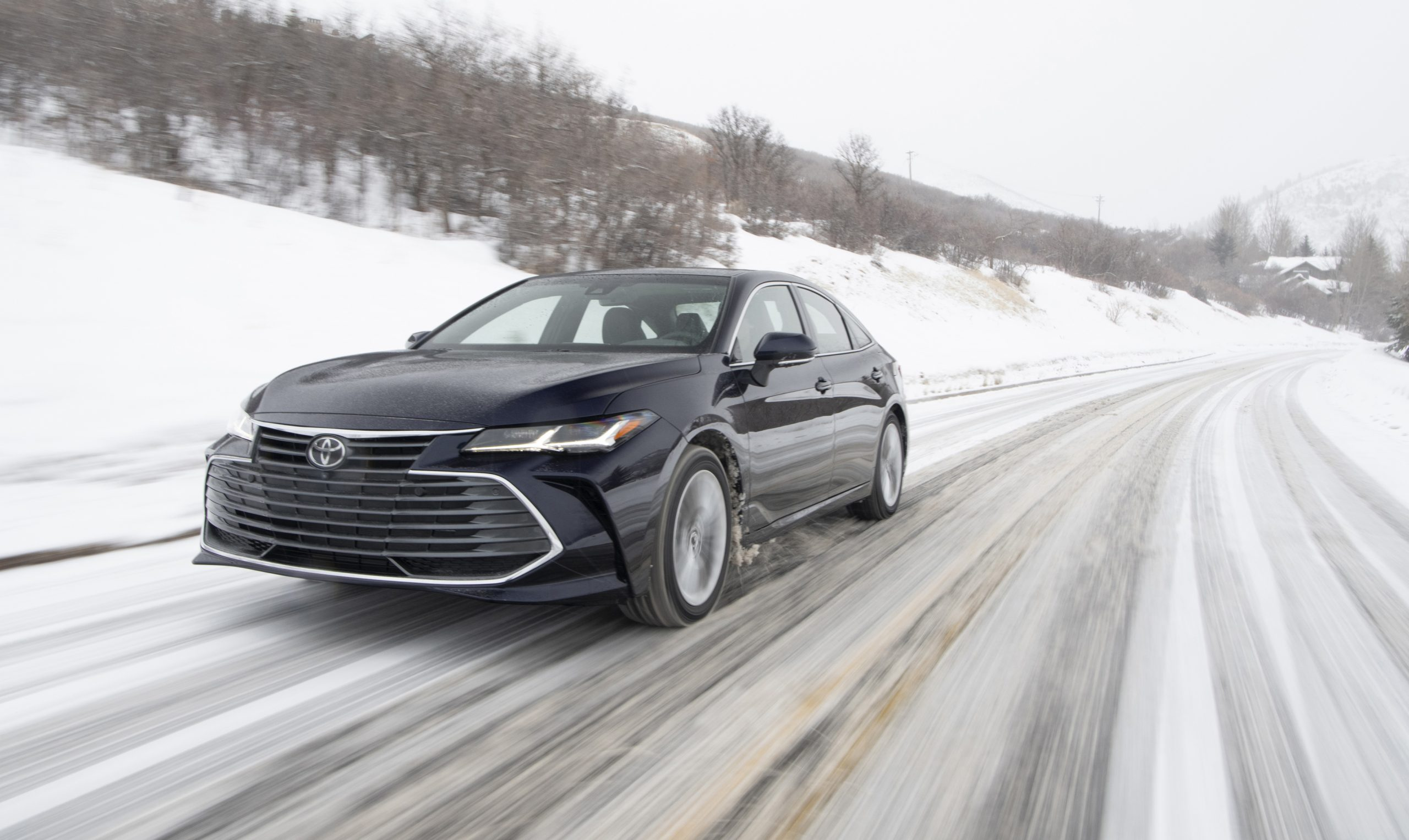 2020 Toyota Avalon Limited AWD Front Three-Quarter Wallpapers (2)