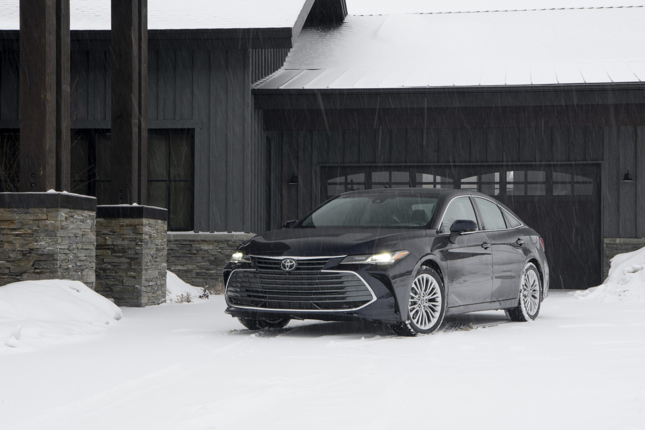 2020 Toyota Avalon Limited AWD Front Three-Quarter Wallpapers (8)