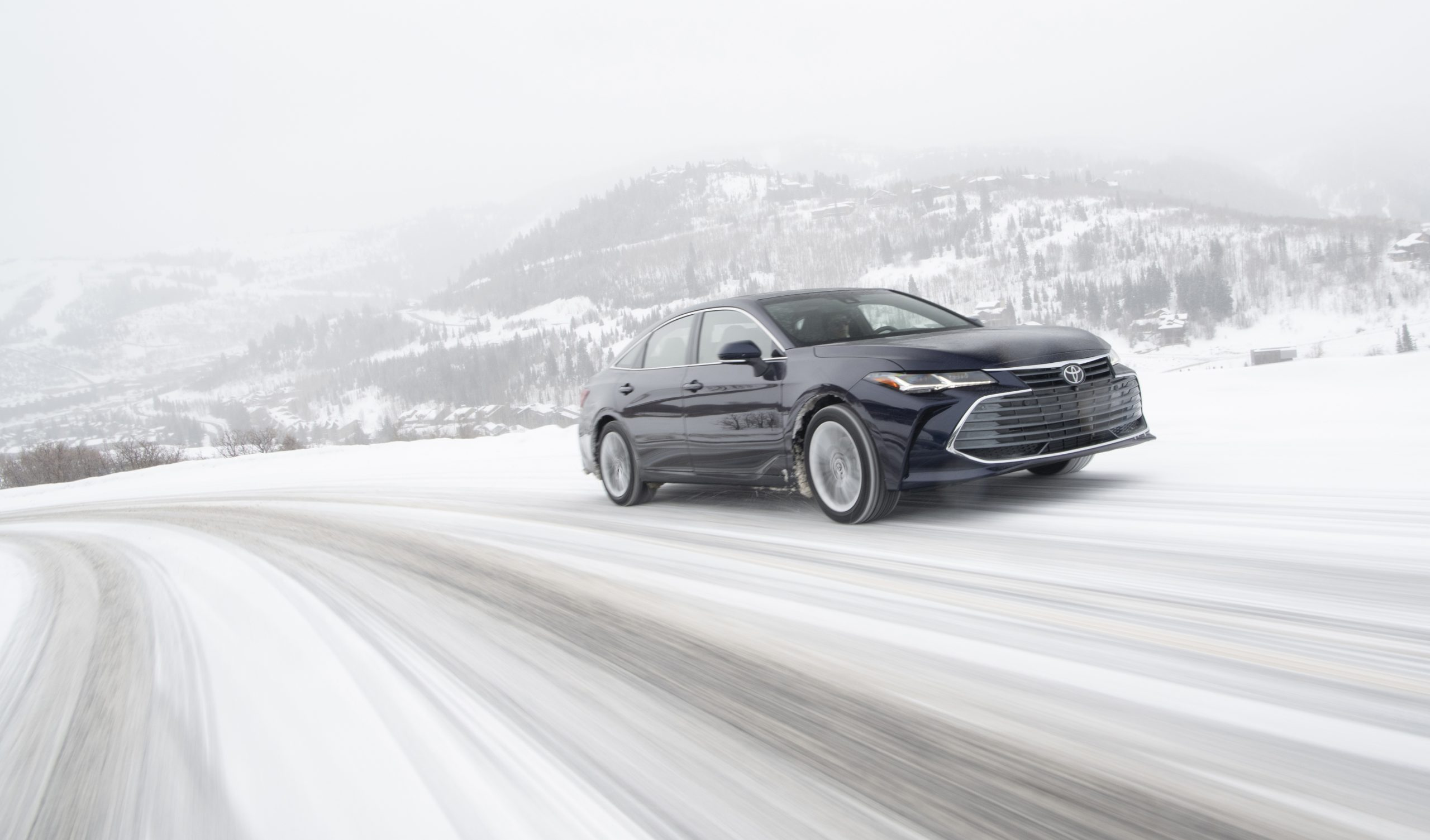 2020 Toyota Avalon Limited AWD Front Three-Quarter Wallpapers (3)