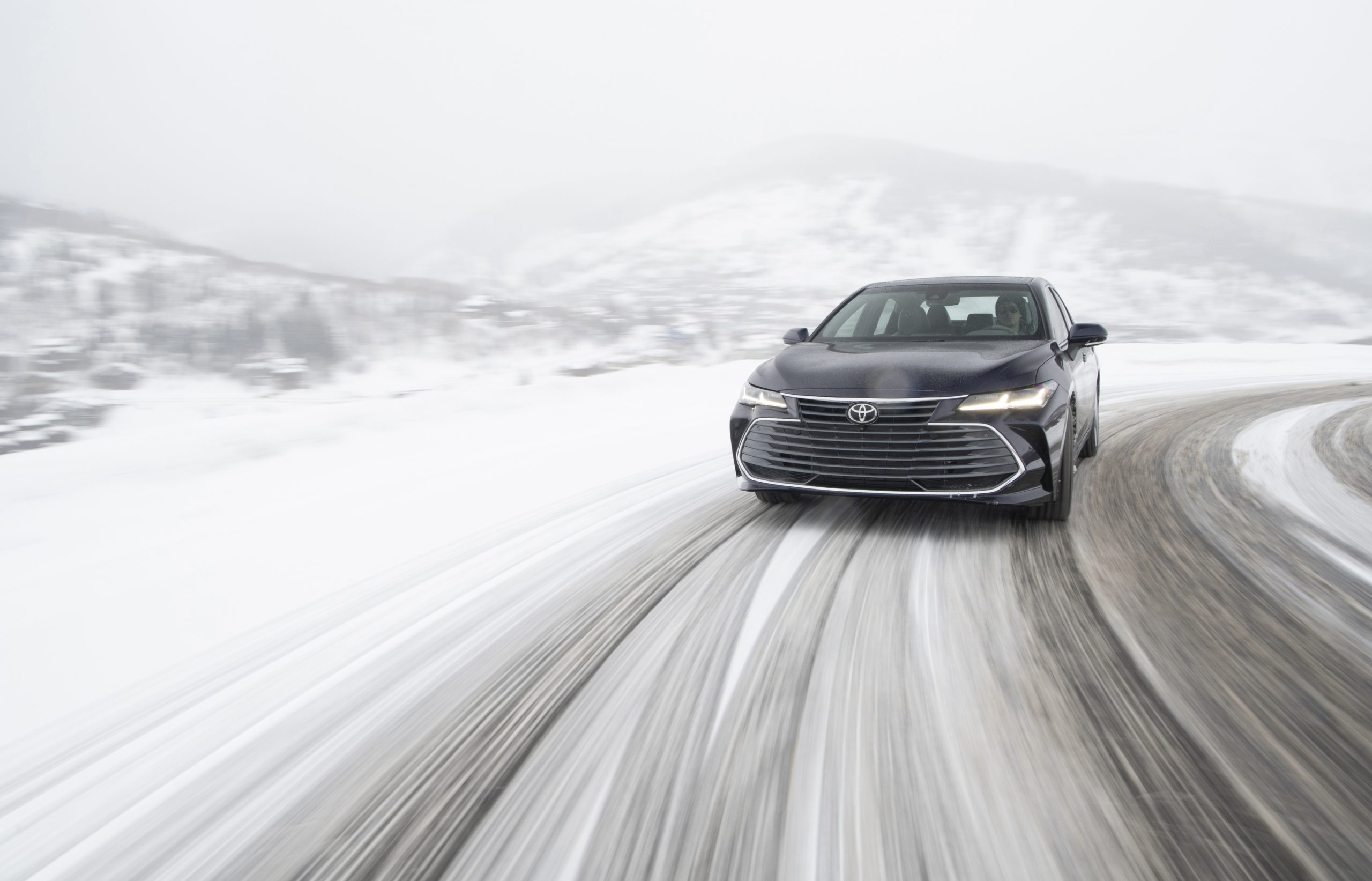 2020 Toyota Avalon Limited AWD Front Wallpapers (5)