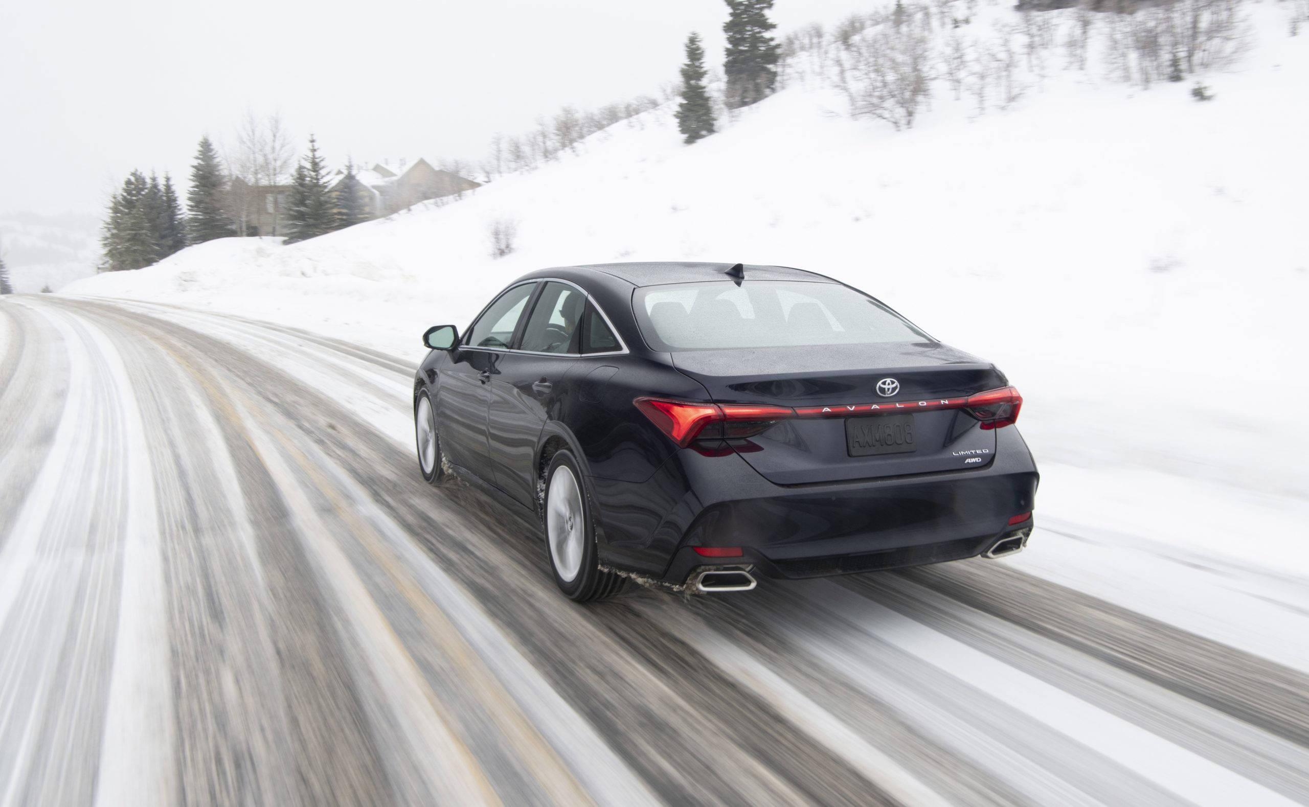 2020 Toyota Avalon Limited AWD Rear Three-Quarter Wallpapers (6)
