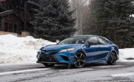 2020 Toyota Camry XSE AWD Front Three-Quarter Wallpapers 450x275 (24)