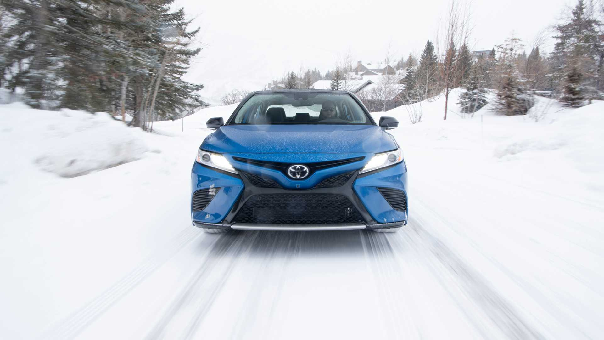 2020 Toyota Camry XSE AWD Front Wallpapers (5)
