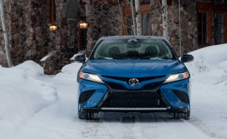 2020 Toyota Camry XSE AWD Front Wallpapers 450x275 (50)