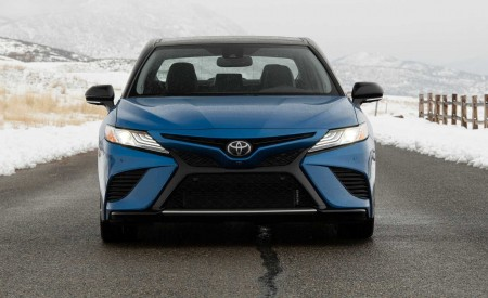 2020 Toyota Camry XSE AWD Front Wallpapers 450x275 (41)
