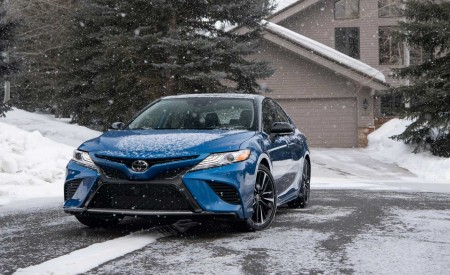 2020 Toyota Camry XSE AWD Front Wallpapers 450x275 (26)