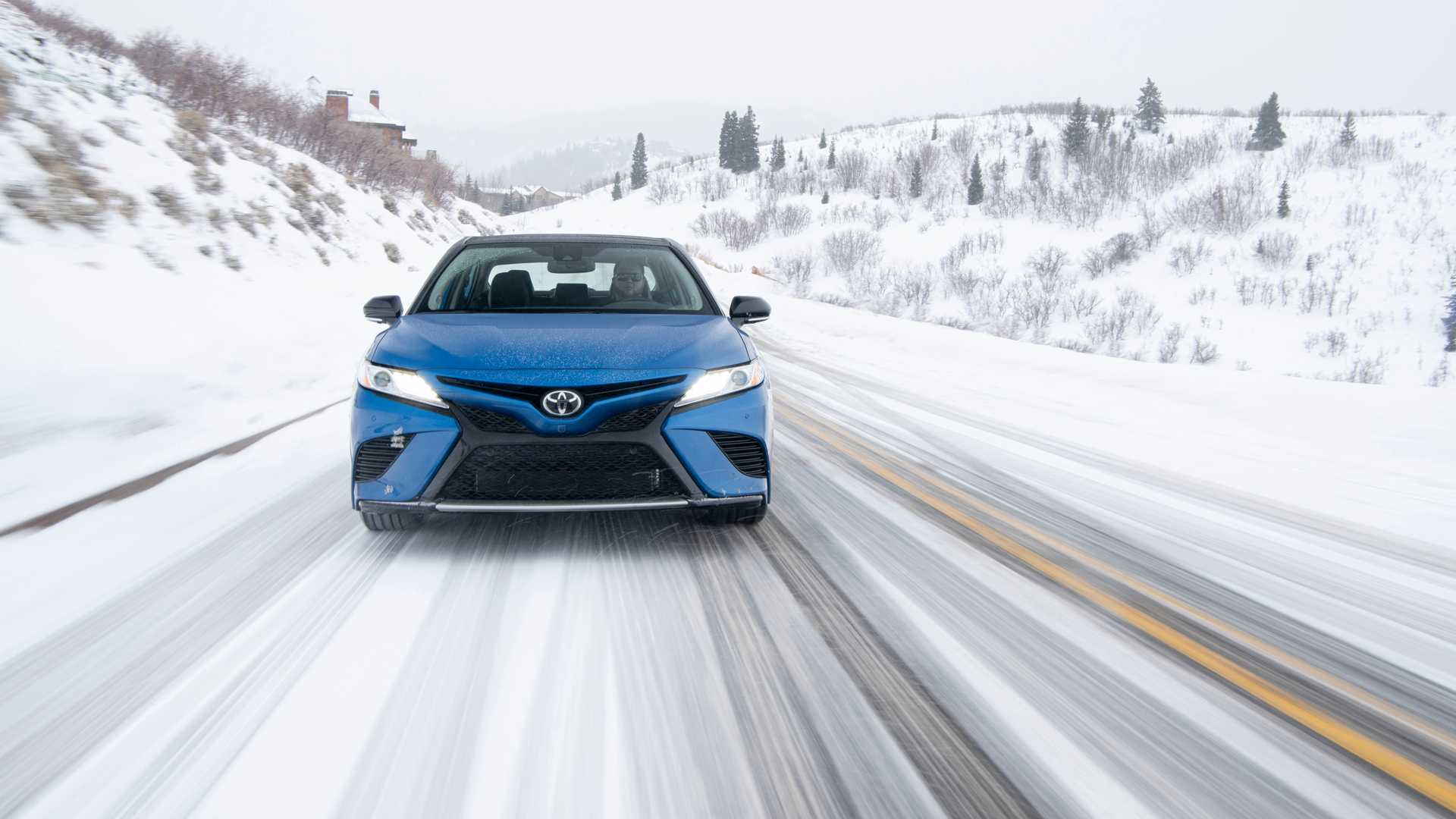 2020 Toyota Camry XSE AWD Front Wallpapers (6)