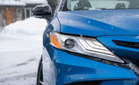 2020 Toyota Camry XSE AWD Headlight Wallpapers 450x275 (58)