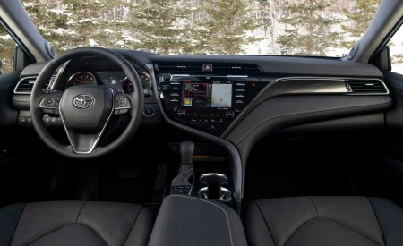 2020 Toyota Camry XSE AWD Interior Cockpit Wallpapers 450x275 (80)
