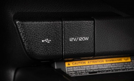 2020 Toyota Camry XSE AWD Interior Detail Wallpapers 450x275 (74)