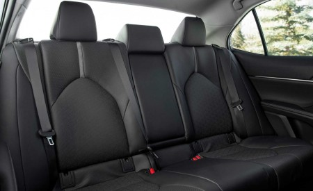 2020 Toyota Camry XSE AWD Interior Rear Seats Wallpapers 450x275 (61)