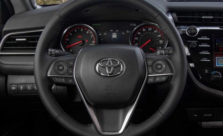 2020 Toyota Camry XSE AWD Interior Steering Wheel Wallpapers 450x275 (69)