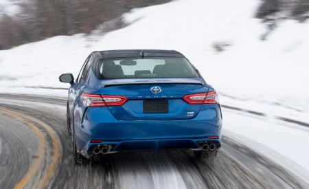 2020 Toyota Camry XSE AWD Rear Wallpapers 450x275 (19)