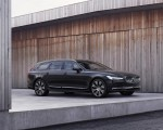 2020 Volvo V90 Recharge T8 plug-in hybrid (Color: Platinum Grey) Front Three-Quarter Wallpapers 150x120 (5)