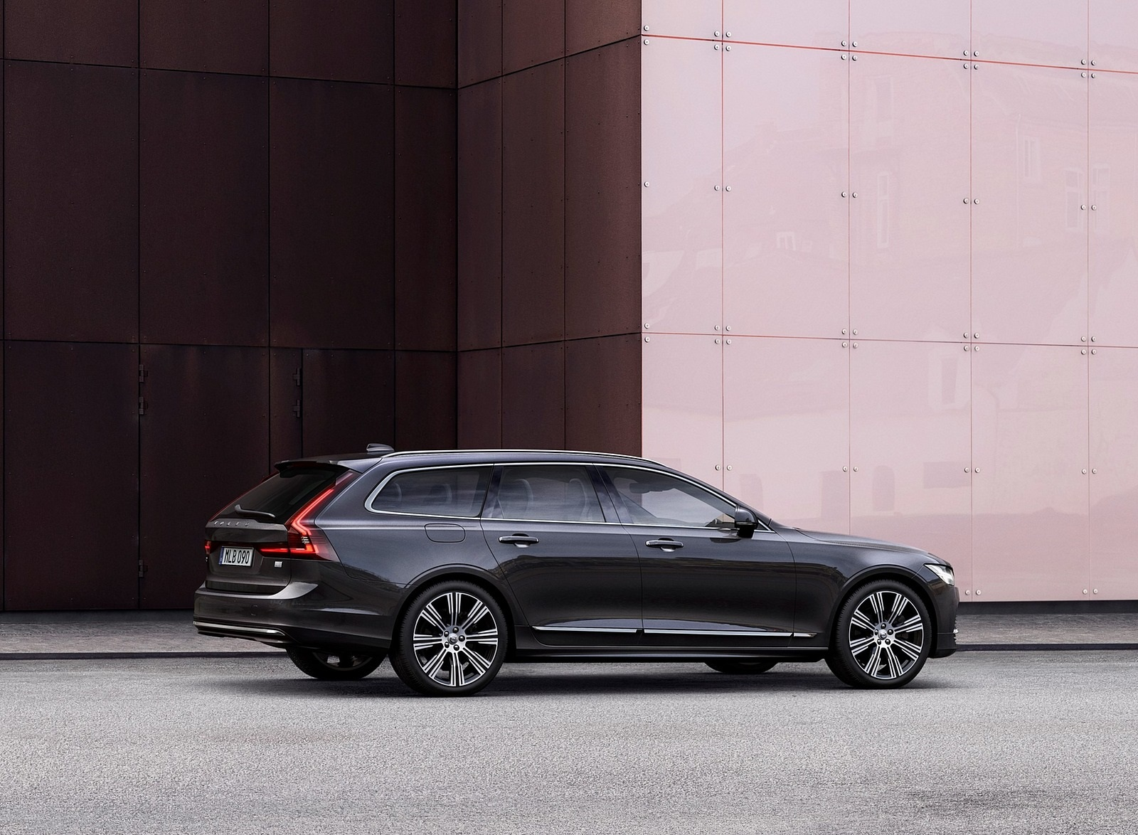 2020 Volvo V90 Recharge T8 plug-in hybrid (Color: Platinum Grey) Side Wallpapers (4)