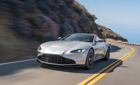 2021 Aston Martin Vantage Roadster (Color: Spirit Silver; US-Spec) Front Three-Quarter Wallpapers 450x275 (84)