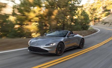 2021 Aston Martin Vantage Roadster (Color: Spirit Silver; US-Spec) Front Three-Quarter Wallpapers 450x275 (97)