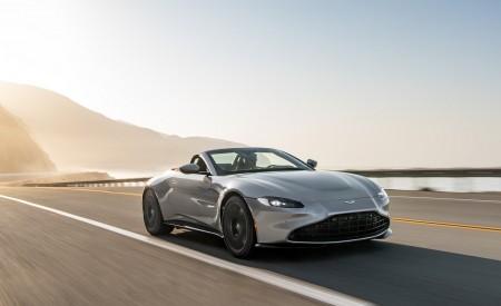 2021 Aston Martin Vantage Roadster (Color: Spirit Silver; US-Spec) Front Three-Quarter Wallpapers 450x275 (72)