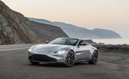 2021 Aston Martin Vantage Roadster (Color: Spirit Silver; US-Spec) Front Three-Quarter Wallpapers 450x275 (111)