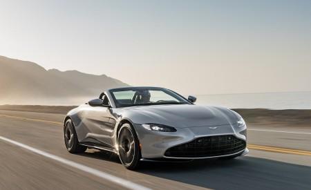 2021 Aston Martin Vantage Roadster (Color: Spirit Silver; US-Spec) Front Three-Quarter Wallpapers 450x275 (73)