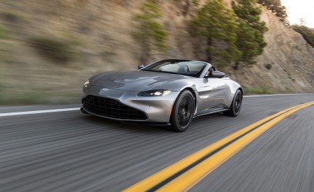 2021 Aston Martin Vantage Roadster (Color: Spirit Silver; US-Spec) Front Three-Quarter Wallpapers 450x275 (99)