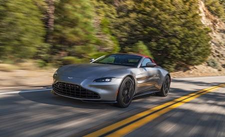 2021 Aston Martin Vantage Roadster (Color: Spirit Silver; US-Spec) Front Three-Quarter Wallpapers 450x275 (74)