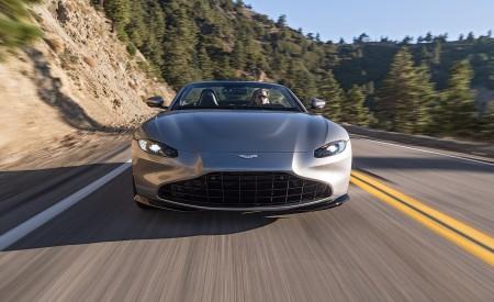 2021 Aston Martin Vantage Roadster (Color: Spirit Silver; US-Spec) Front Wallpapers 450x275 (88)