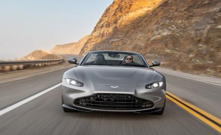2021 Aston Martin Vantage Roadster (Color: Spirit Silver; US-Spec) Front Wallpapers 450x275 (75)