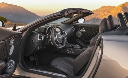 2021 Aston Martin Vantage Roadster (Color: Spirit Silver; US-Spec) Interior Wallpapers 450x275 (122)
