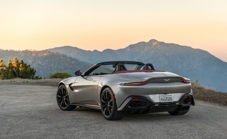 2021 Aston Martin Vantage Roadster (Color: Spirit Silver; US-Spec) Rear Three-Quarter Wallpapers 450x275 (113)