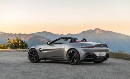 2021 Aston Martin Vantage Roadster (Color: Spirit Silver; US-Spec) Rear Three-Quarter Wallpapers 450x275 (114)