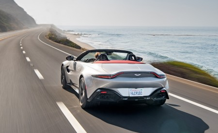 2021 Aston Martin Vantage Roadster (Color: Spirit Silver; US-Spec) Rear Wallpapers 450x275 (92)