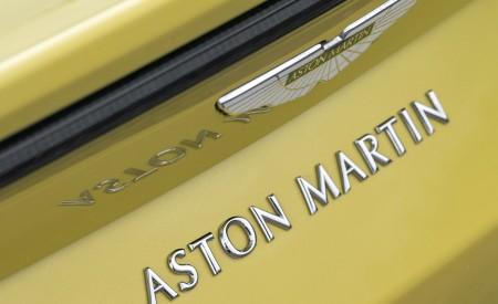 2021 Aston Martin Vantage Roadster (Color: Yellow Tang) Badge Wallpapers 450x275 (56)