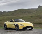 2021 Aston Martin Vantage Roadster (Color: Yellow Tang) Front Three-Quarter Wallpapers 150x120 (46)